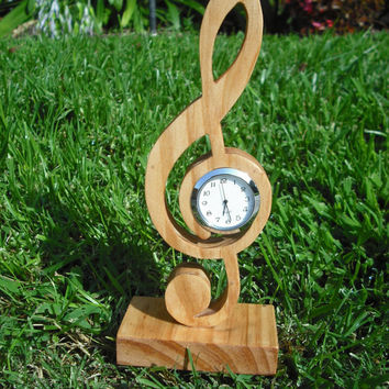 Wooden treble clef desk clock