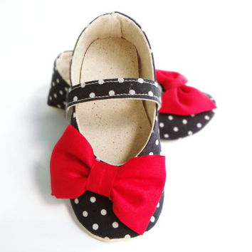 Baby Shoes, Baby Christmas Outfit, Baby Girl, Navy Blue, White, Polka Dots, Red Bow, Booties