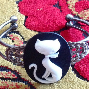 Cat, Cat cameo, Cat cuff, cat bracelet, ready to ship, gifts for her, cat jewelry, retro, Antique cat bracelet, crazy cat lady