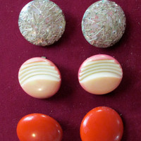 50s Plastic Clip On Button Earrings / Red Button / Confetti Pink Gold / Peach Deco