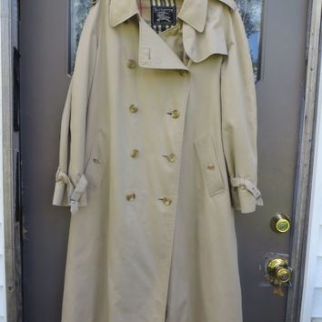 Women's Vintage Double breasted   khaki Burberry Trench Coat  spy coat  MADE IN england  Plaid lined  small med