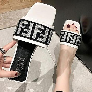 FENDI Newest Fashionable Women Casual F Letter Flat Sandal Slipper Shoes White