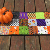 Halloween Table Runner, Table Runner Halloween Quilted, Orange Black Table Runner