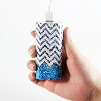 Vibrant Glitter Blue and White Chevron Pattern Light Weight Portable Power Bank Charger for iPhone and Samsung Android