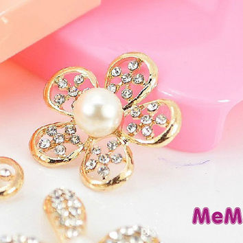 1 Piece Luxury Bling Gem Crystal Pearl Alloy Flower Accessories Stud Charm Kawaii Cabochon Deco Den on Craft Phone Case DIY Deco AA1097