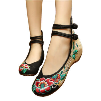 Ballerinas Dance Shoes Women Autumn 2016 Chinese Embroidery Shoes Flats Strap Old Beijing Canvas Shoes Mary Janes Spring Boots