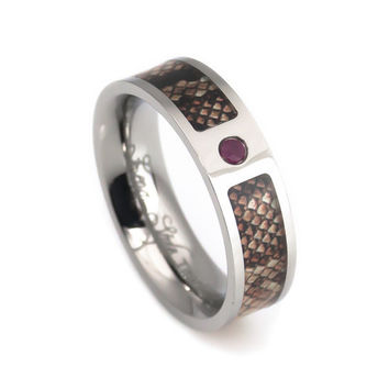 Cool ring snake skin ruby for woman