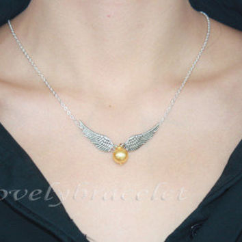 Silvery white cat burglar wizard harry potter's wings jewelry necklace