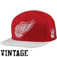 Mitchell & Ness Detroit Red Wings Vintage XL Logo 2T Snapback Hat - Red/White