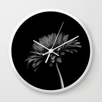 Daisy gerbera. Black and white Wall Clock by vanessagf