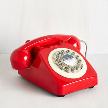 Vintage Inspired Ring True Desk Phone in Cardinal by ModCloth
