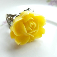 FLOWER ring yellow rose flower on adjustable filigree vintage base