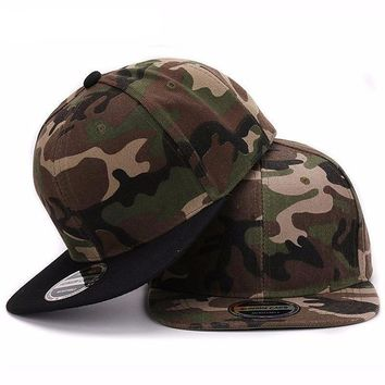 Camouflage Snap-back