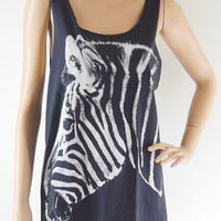 Zebra Animal Style Zebra Shirt Zebra Tank Top Teens Tank Women T-Shirt Black T-Shirt Screen Print Size M