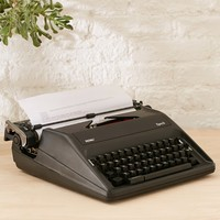 Royal Epoch Manual Typewriter - Urban Outfitters