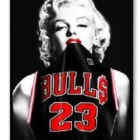 Marilyn Monroe Smoking Design Plastic Hard Case Cover Back Skin Protector for Apple iPhone 4 4s