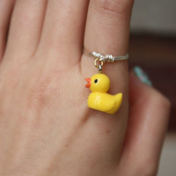 Yellow rubber ducky ring// Quirky ring, Silver ring, Dangle Ring, Charm Ring, Wire Ring, Wire Wrapped, Gift, Stackable