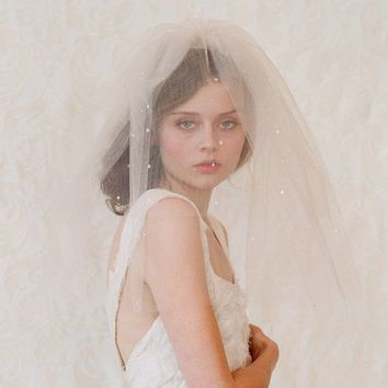 Double layer teardrop veil in champagne ivory or white by myrakim