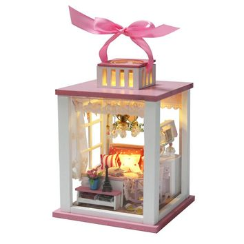 Pretty Miniature Room Dollhouse