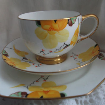 Paragon cup, saucer and plate (trio) - Art deco c1933/34 Handpainted