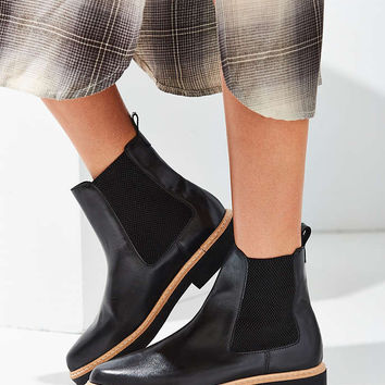 M4D3 Felix Chelsea Boot - Urban Outfitters