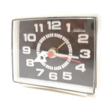 Vintage Electric Alarm Clock by Sunbeam by TheRetroStudio on Etsy