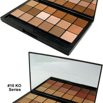 "RCMA ""VK"" 18 Color Foundation Palette - Sampler, RCMA Beauty The Paint and Powder Store"