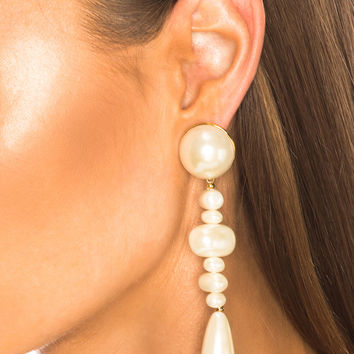 Lele Sadoughi Copacabana Earrings in Pearl | FWRD