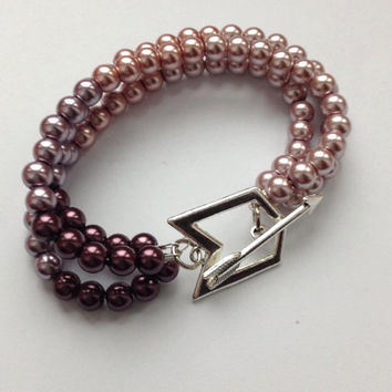 Hawkeye Pearl Bracelet LUXE Clint Barton Kate Bishop Inspired / Purple Ombré Bead Arrow Clasp / Comic Book Inspired Geek Jewelry & Nerd Gift