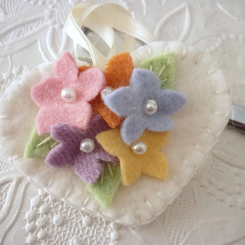 Felt Flower Fob Scissor Charm Beaded Garden Wool Felted Pinkeep