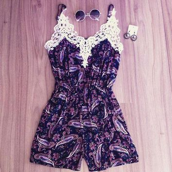 ONETOW Day-First? White Lace Purple Floral Print Romper
