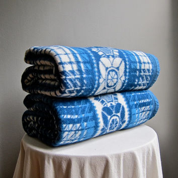 Vintage Camp Blanket -- Reversible Blue and White Cotton 1950s Beacon Esmond Blanket