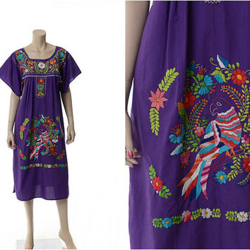 Vintage 70s Purple Embroidered Mexican Hippie Dress 1970s Rainbow Parrot Bird Flowers Floral Festival Oaxacan Boho Gypsy Caftan Dress / M/L