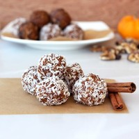 No-Bake Pumpkin Spice Cookie Balls (Gluten-Free, Vegan + Sugar-Free) - Free People Blog