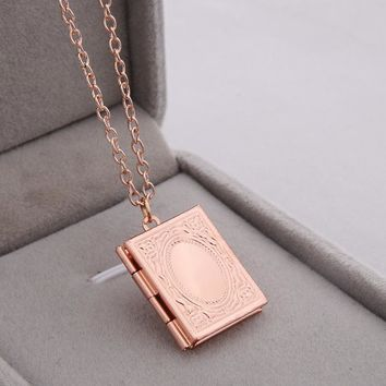 Fashion Secret Medal Creative Photo Pendant Necklace Six Colors Alloy Retro Necklace Love Forever Friends Couple Gifts Jewelry