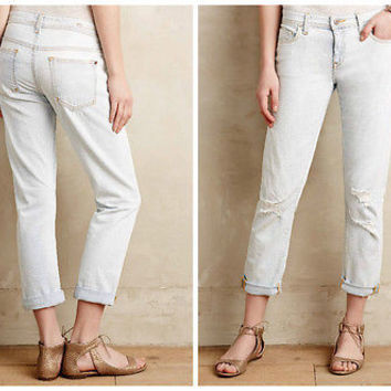 Anthropologie Pilcro Hyphen Relaxed Disterssed Jeans NWT
