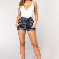 Clara Stripe Pleated Shorts - Navy/White