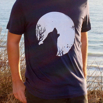 Full Moon & Howling Wolf // Wildlife Cactus Southwest Dessert Screenprint // Mens Tee Shirt