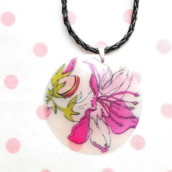 Pink Petunia Shell Necklace - Braided Cord Necklace - Flower Necklaces - Beach Wedding - Seashell Jewellery