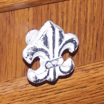 4 Decorative Metal Fleur De Lis Cabinet Drawer Knobs Hardware White Distressed
