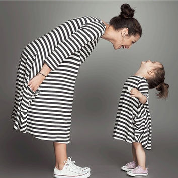 2016 New Spring&Autumn Style Family Matching Outfits Mother and Daughter Baby Girls Fall Full Balck Striped Dress Free Shipping