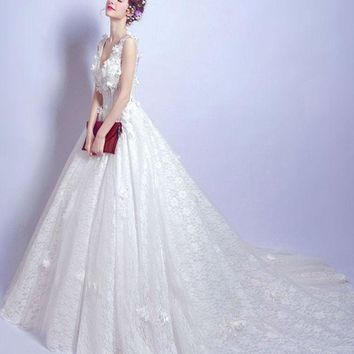 New fashion Lace Wedding Dress V-Neck A-Line Romantic White Tulle With Flowers Wedding Dresses