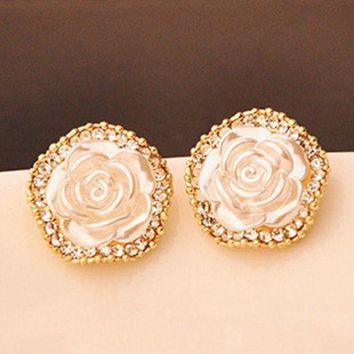 PEAPON Golden set with diamonds flower earrings