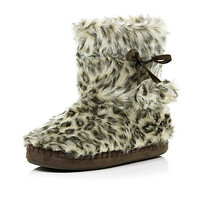 Brown leopard print fluffy slipper boots