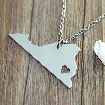 I heart  Virginia Necklace - Virginia  Map Pendant - State Necklace - State Charm - Map necklace - Map Jewelry