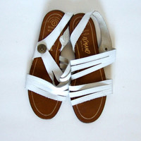 Vintage sz 6 White Leather Sandals Casual Strappy Flats Summer Sandals Slingback Italy Minimalist Simple