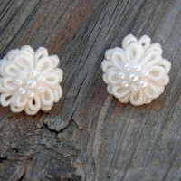 White Flower Earrings, Pearl Flower Earrings, Small Flower Earrings, Womens Earrings, White Pearl Earrings, Wedding Earrings