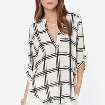 SIMPLE - Loose V Neck Lattice Shirt Top a11348