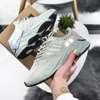 Adidas Originals YEEZY BOOST 700\