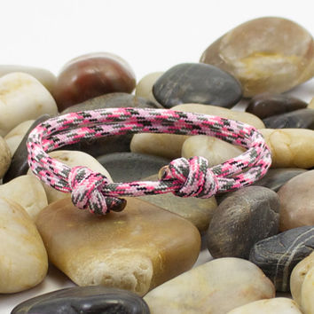 Paracord Bracelet in Pink Camo Minimalist Design